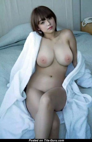 Marvelous Babe with Marvelous Bare Real Tight Boobie (18+ Photoshoot)