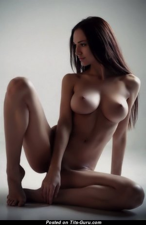 Graceful Brunette with Graceful Bare Natural Dd Size Chest & Long Nipples (Hd Sexual Photo)