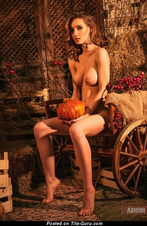 The Best Babe with The Best Bald Natural Boobys (Xxx Photo)