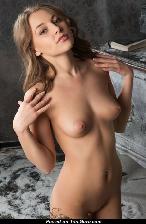 Hot Glamour Lassie with Hot Bare Natural Boob (4k Xxx Foto)