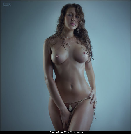 Image. Nude nice girl with medium breast image