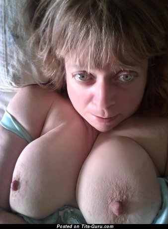 Raigne - Marvelous Lassie with Marvelous Nude Real Melons (Amateur Sexual Picture)