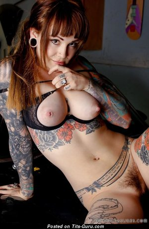 Adorable Doll with Dazzling Bald Natural Jugs, Piercing & Tattoo (Hd Porn Foto)