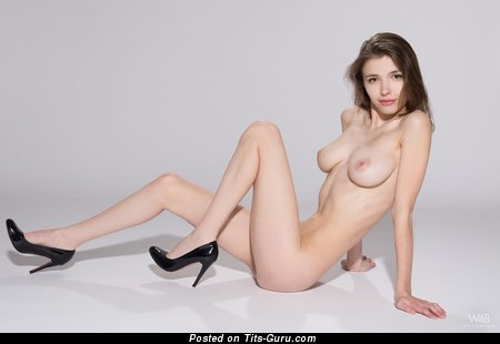 Image. Milla W - nude awesome woman with big natural tittes picture