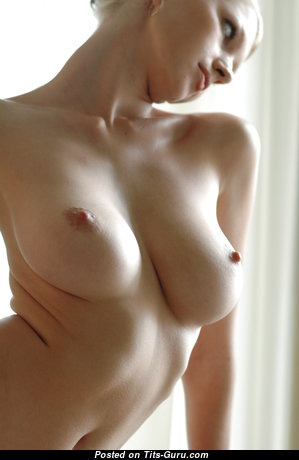 Maria D - Perfect Blonde Babe with Perfect Bare Real Firm Tittys (Hd Porn Foto)