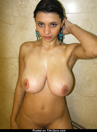 Aria Valentino - wet nude latina red hair with big natural tits photo