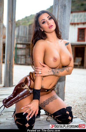 Susy Gala - nude nice female with medium fake boob picture