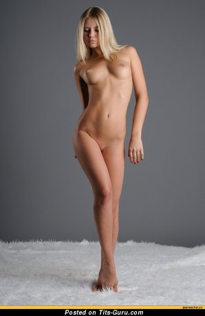 Image. Nude nice lady with medium boob pic