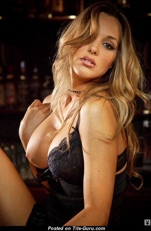 Daniella Mugnolo - Nice American Blonde with Nice Naked Silicone Tittys (Xxx Pic)
