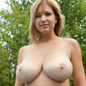 Amazing female with big natural tittes pic