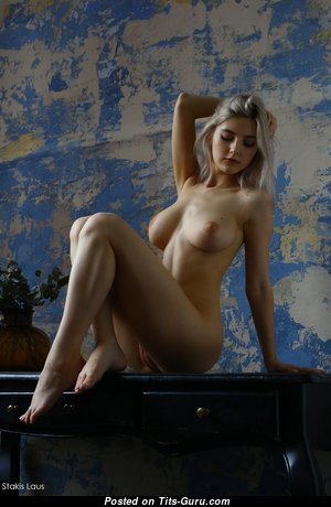 Dazzling Blonde Babe with Dazzling Naked Natural Firm Tittys (Xxx Photo)