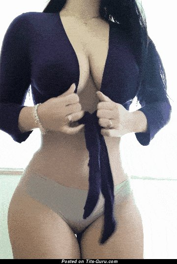 Amateur nude amazing woman with medium boobs gif