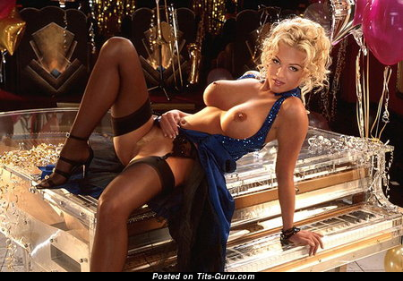 Heather Kozar - Gorgeous Topless American Playboy Blonde Babe with Gorgeous Bare Med Boob & Big Nipples (Hd Porn Wallpaper)