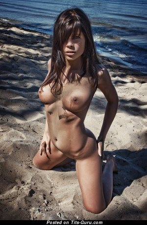 Image. Nude hot girl with medium natural tittes picture