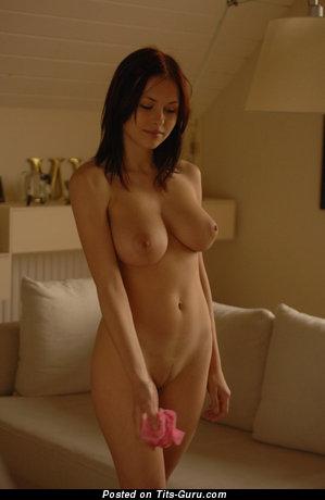 Iga Wyrwal: sexy naked brunette with medium natural boob & big nipples photo