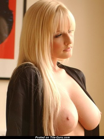 Michelle Marsh - Good-Looking British Dame with Good-Looking Open Real Great Breasts (Sexual Picture)