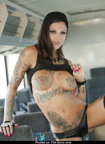 Image. Bonnie Rotten - brunette with big tits and tattoo picture
