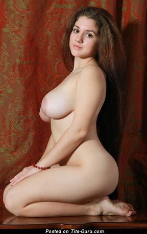 Roxi - Grand Brunette with Grand Bare Natural Soft Tittys & Weird Nipples (Hd Porn Wallpaper)