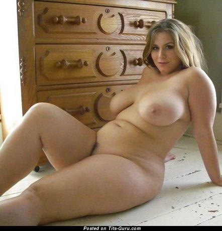 Голые пухленькие женщины фото 43346 фотография