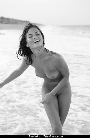 Chrissy Teigen & Fine Wet & Topless American Red Hair & Brunette with Fine Nude Natural Medium Sized Boobie & Pointy Nipples (Selfie Porn Wallpaper)