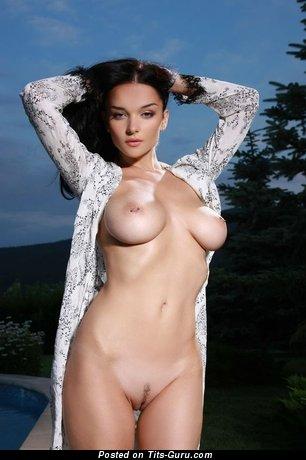 Image. Eugenia Diordiychuk - sexy nude brunette with medium natural boob image