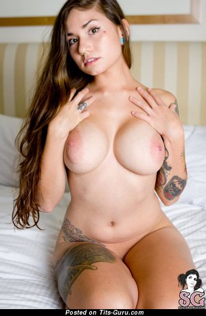 Ellia - Stunning American Chick with The Best Exposed Medium Sized Boobys, Piercing & Tattoo (Hd Xxx Photo)