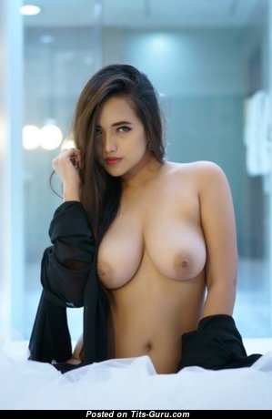 Exquisite Babe with Cute Nude Real Dd Size Tots (Porn Pix)