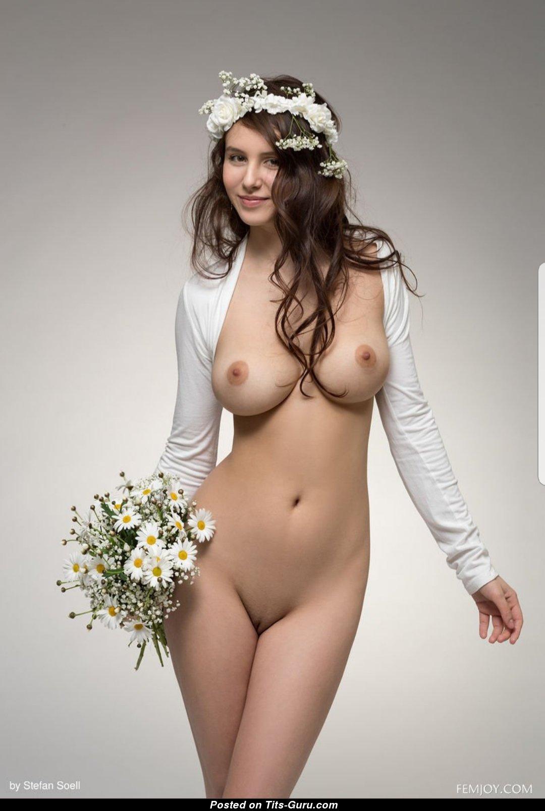 Braut Nackt