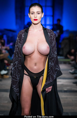 Wonderful Babe with Wonderful Nude Big Boobys (Hd Sexual Photo)