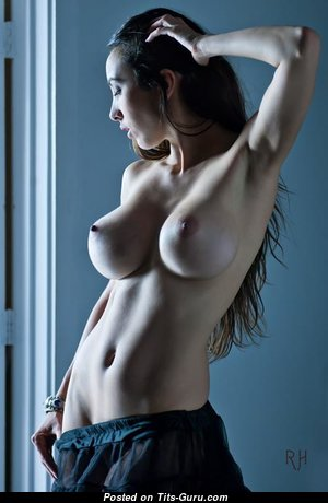 The Nicest Babe with The Nicest Naked D Size Breasts (Porn Pix)