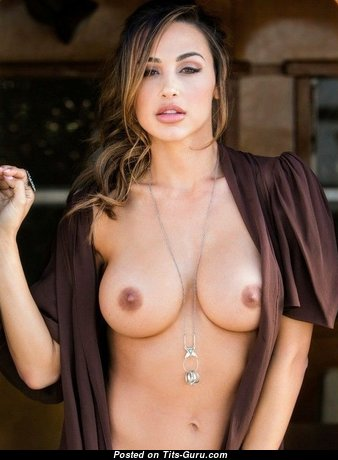 Marvelous Babe with Marvelous Open Real Firm Titties (18+ Pix)