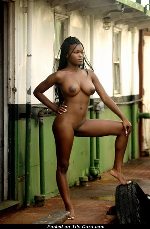 Image. Deserea - nude ebony photo