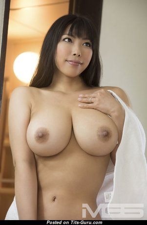 Nozomi Mikimoto - Dazzling Topless & Glamour Asian Pornstar with Dazzling Bald Real Big Sized Titty (Sexual Pic)