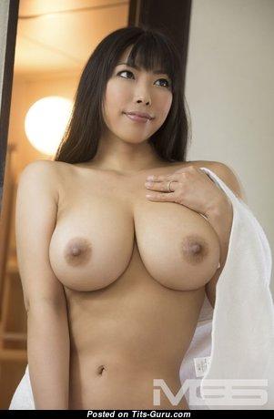 Nozomi Mikimoto - Pretty Topless & Glamour Asian Pornstar with Pretty Nude Natural Very Big Boobie (Sexual Pic)