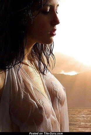 Изображение. Фото восхитительной голой девахи с средними натуральными дойками