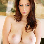 Gianna Michaels - amazing woman with big natural boobies picture
