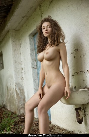 Image. Naked hot female image