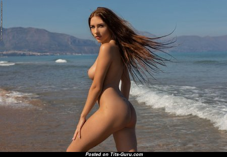 Niemira - Sexy Ukrainian Red Hair with Sexy Open Real Busts & Giant Nipples on the Beach (Hd 18+ Pix)
