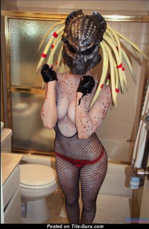 Graceful Nude Bimbo with Sexy Legs (Sex Image)