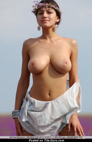 Image. Hot girl with natural breast pic