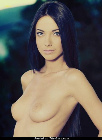 Image. Naked amazing female with medium natural tittes picture