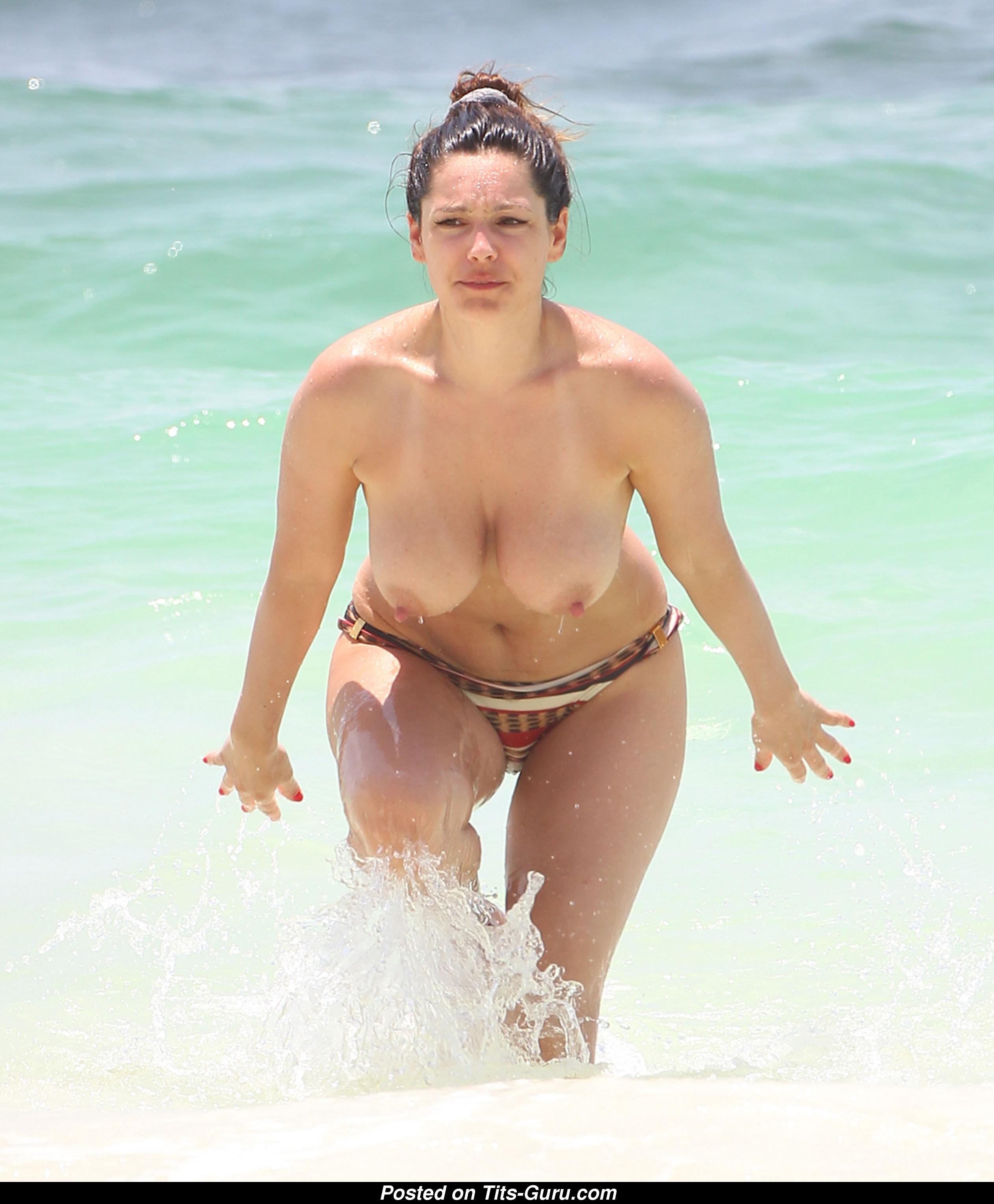 большие сиськи секс на пляже