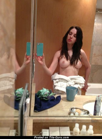 Alison Brie & Splendid Wet & Topless American Red Hair & Brunette Actress with Splendid Open Natural Firm Tots & Big Nipples (Home Selfie Hd Porn Photo)