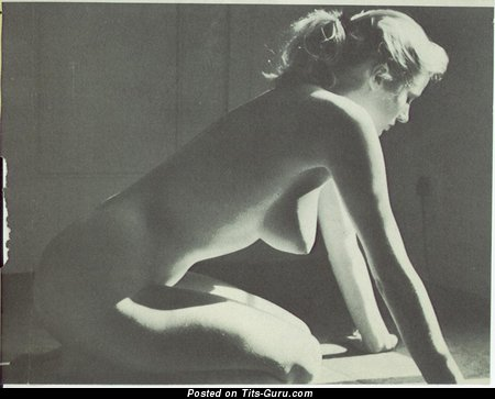 Image. Anita Ekberg - nude hot lady with medium natural tittes picture