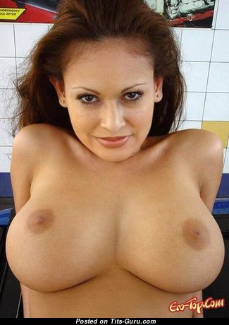 The Nicest Topless Brunette (Porn Pix)