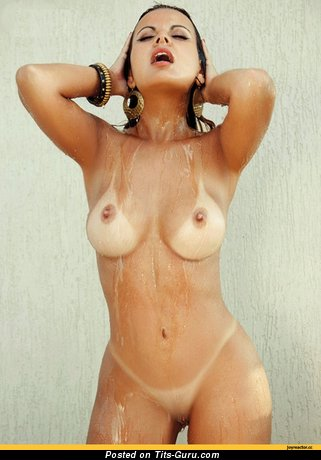 Image. Naked amazing girl with medium natural tittys photo