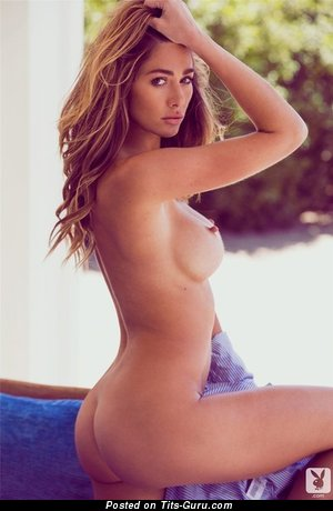 Image. Nude awesome female with medium boob picture