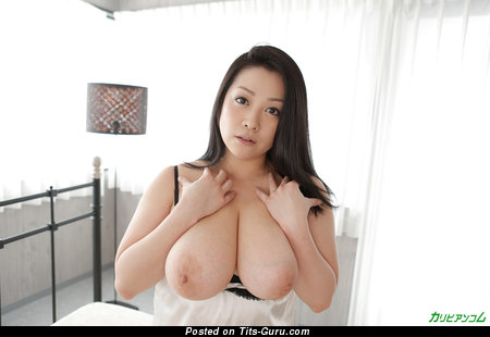 Grand Asian Brunette Babe with Grand Bare Real Ddd Size Tittys (Hd Sex Picture)
