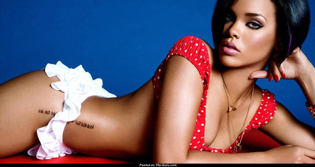 Rihanna naked tits