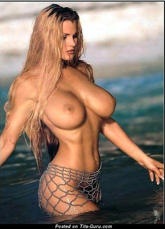 Naked blonde pic